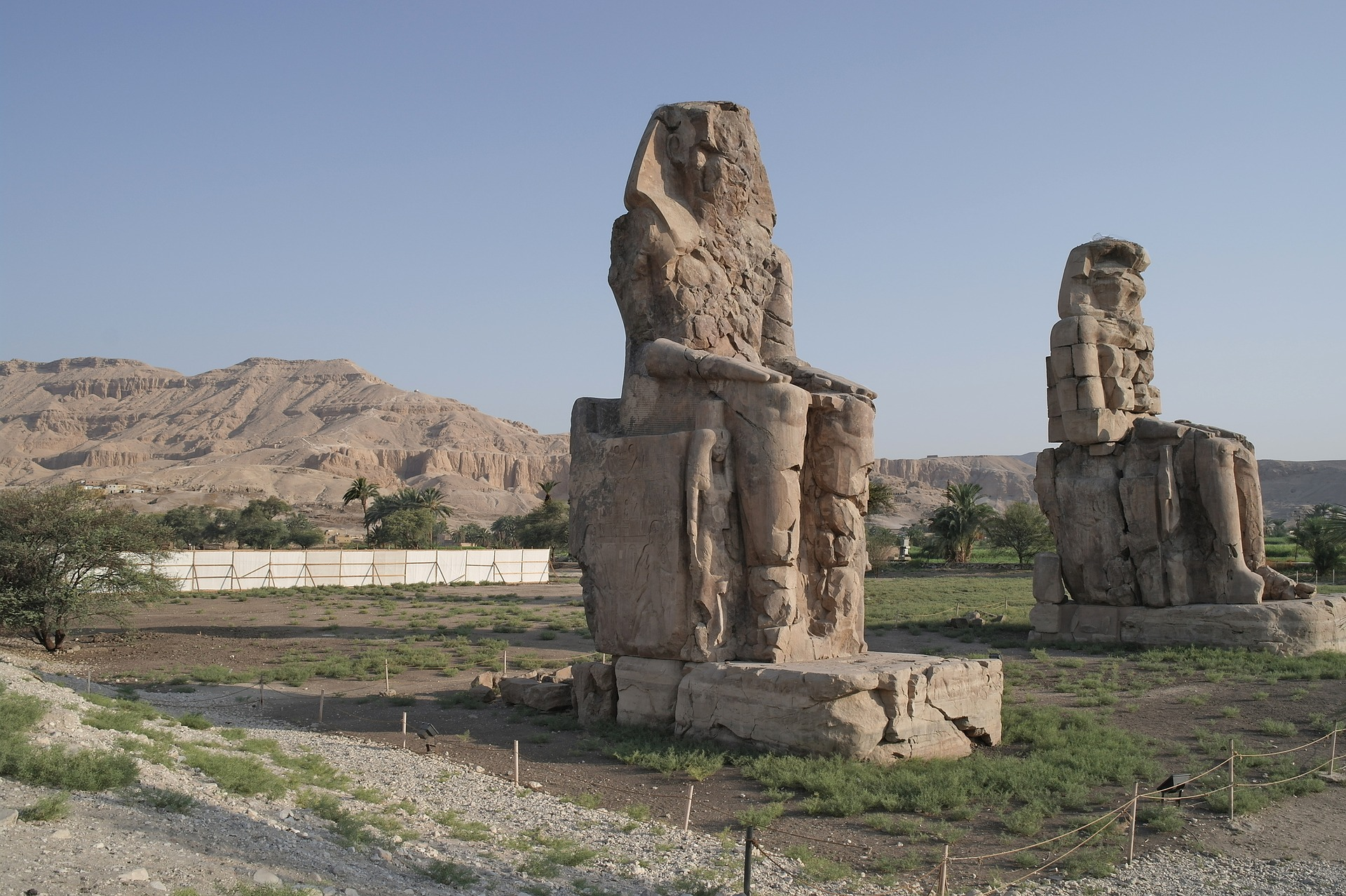 colossi of memnon Mesir